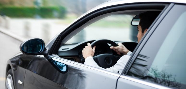Krótkoterminowy wynajem samochodów – sprawdzony sposób na poprawę mobilności pracowników